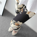 Elastic Soft Stretch Fitness Leggings Women New Fashion One Size Polyester Mid Waist Flowers Print Leisure Leggings Female