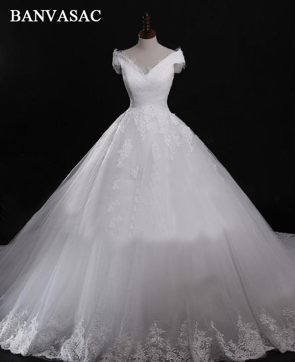BANVASAC 2017 Nowa luksusowa haftowana dekolt V Suknie ślubne z krótkim rękawem Satin Court Train Lace Suknie ślubne balowe