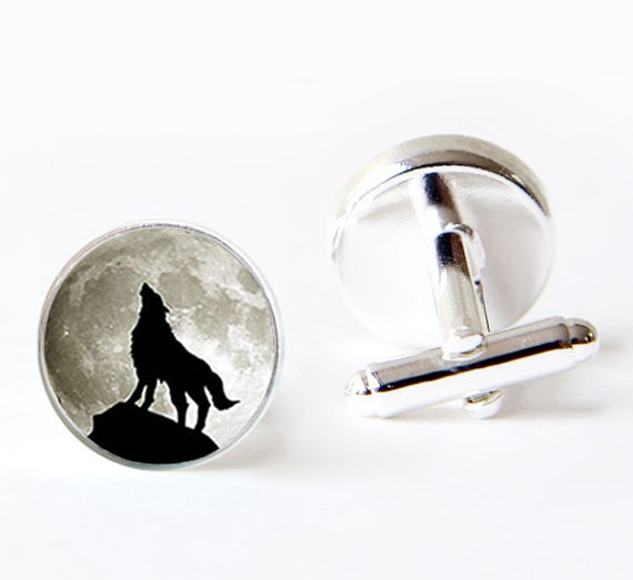 2017 Hot Trendy Full Moon <font><b>Cufflink</b></font> Howling <font><b>Wolf</b></font> <font><b>Cufflinks</b></font> Silver Pairs Men Gifts For Lovers Cuff Links Glass Animal Cuffs image