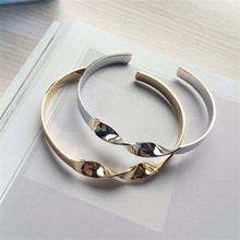 Europe and the United States very minimalist twist burnished gold silver metal bracelet lady fashion bracelets