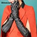2017 de Las Mujeres guantes de cuero Larga del estilo Delgado 50 CM Remache Punky de la manera Del Diseñador de alta calidad Uniforme número de código negro lisa