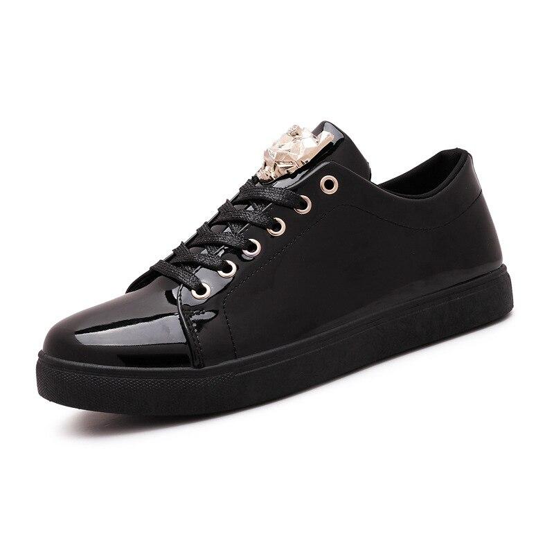 0c6b931e247 2017 Mode Ademende Heren Zilver Casual Schoenen Lace up Pp Metalen Hoofd Schoen  Zomer Herfst Flats Lakleer Zapatos De Hombre in 2017 Mode Ademende Heren ...