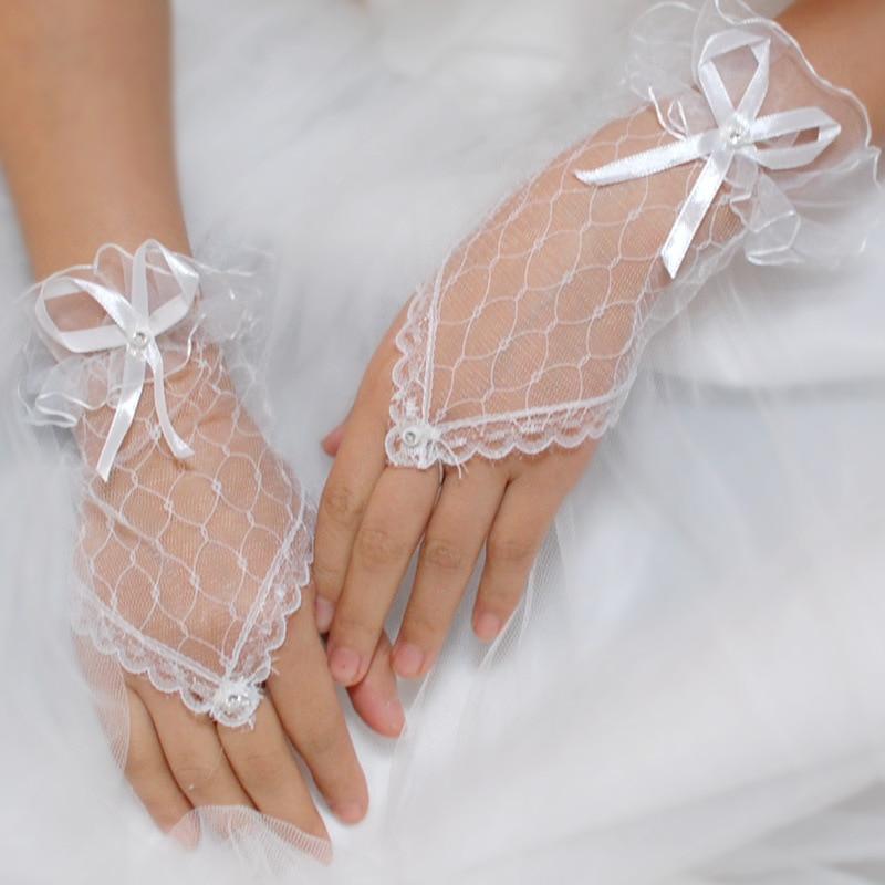 2018 Bridal Gloves Short White Black Lace Fingerless Gloves Wrist Length Wedding Accessories