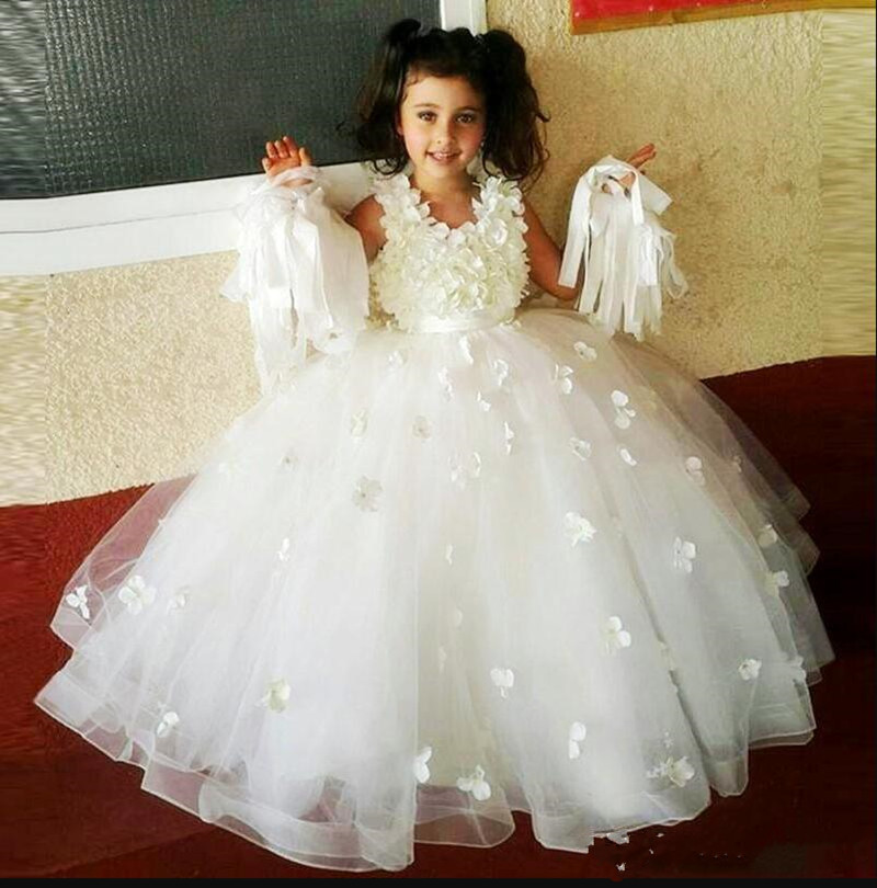 Well-Designed   Flower     Girl     Dress   with 3D Floral Appliques Belt Zipper Back o-Neck Sleeveless Any Size and Any Color Pageant Gowns