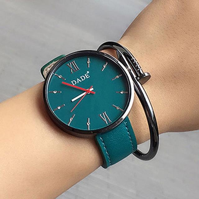 585fc868588 2018 Mulheres Marca De Luxo relógios de Pulso Casual Relógio de Quartzo de  Couro Das Senhoras