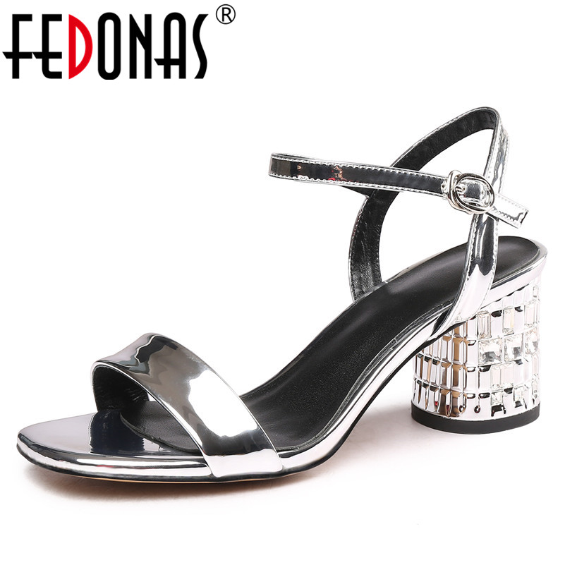 FEDONAS Elegant Sweet Women Sandals 2019 Summer New Blingbling Buckle Round Toe Square Heeled Shoes Woman