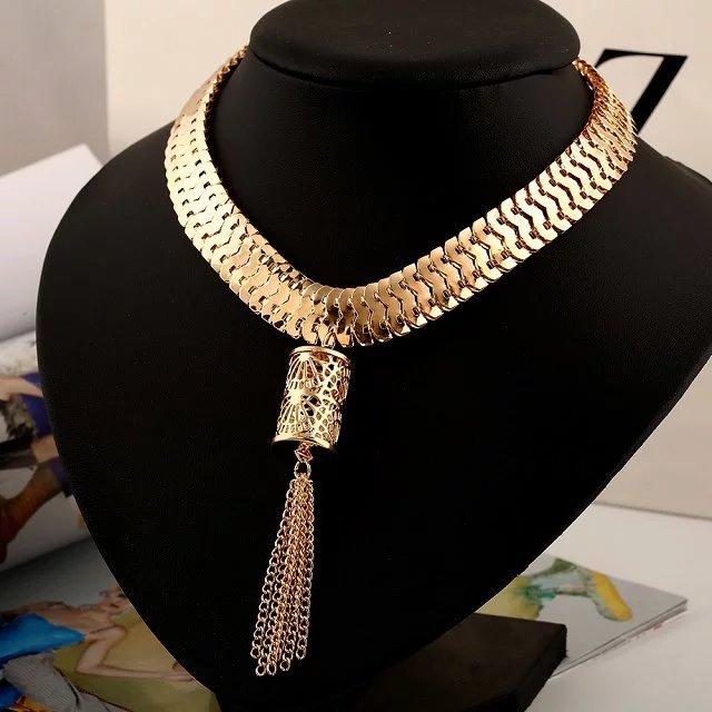 3df95b038c10 ₩Dorado gargantilla collar pendiente de la borla CX393 - a912