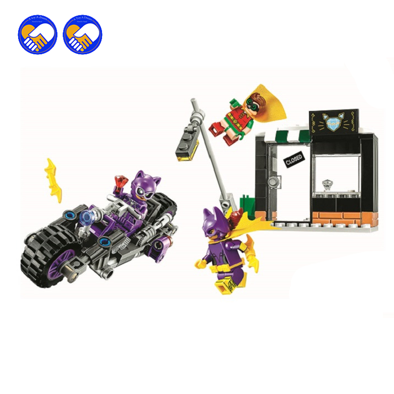 A toy A dream NEW 156pcs BATMAN MOVIE Catwoman Catcycle Chase Building Blocks set DIY Bricks toy Gift children With lepin 70902 l a movie