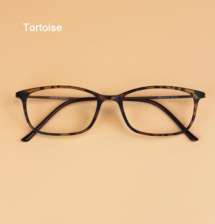Ultra-fino Coreano Homens Tungstênio Titânio Pequeno Quadrado Do Vintage  Óculos de Armação Mulheres Miopia Óculos Óculos de Prescrição dfd9f60808
