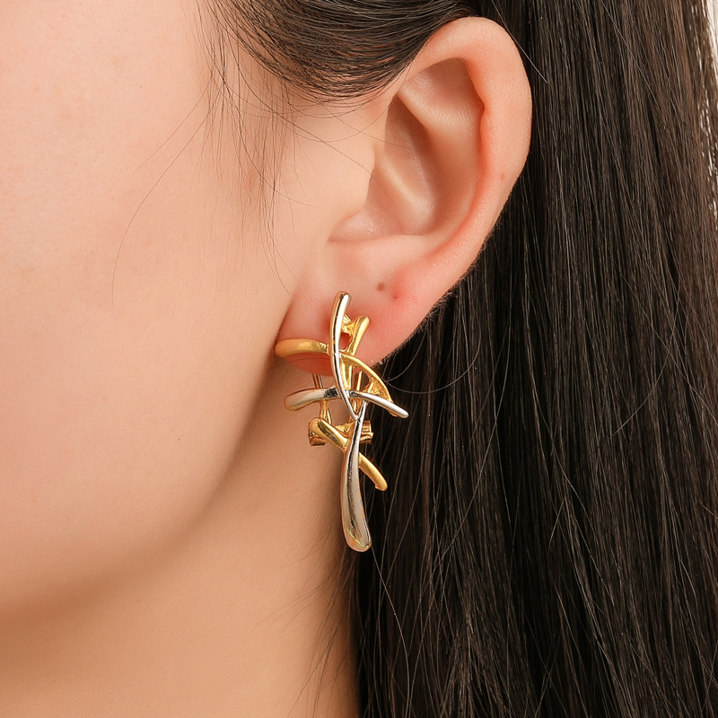 New Fashion Leaves Stud Earrings For Women Golden Color Geometric Earrings For Party Wedding Femme Gifts Ear Jewelry Wholesale