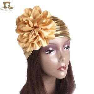 Image 4 - ใหม่แฟชั่นผู้หญิงหรูหรา king ดอกไม้ metallic Turban หมวกหมวก Bonnet Chemo หมวกมุสลิมผ้าพันคอ Hijab อิสลาม Turbante