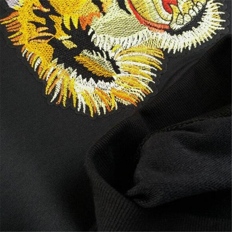 LINRAOQIAN high quality Embroidery Tiger Head T Shirt Women Tops Autumn  Long Sleeve Tshirt Women Cotton T Shirts Camiseta Mujer-in T-Shirts from  Women s ... f4acf7cb3668