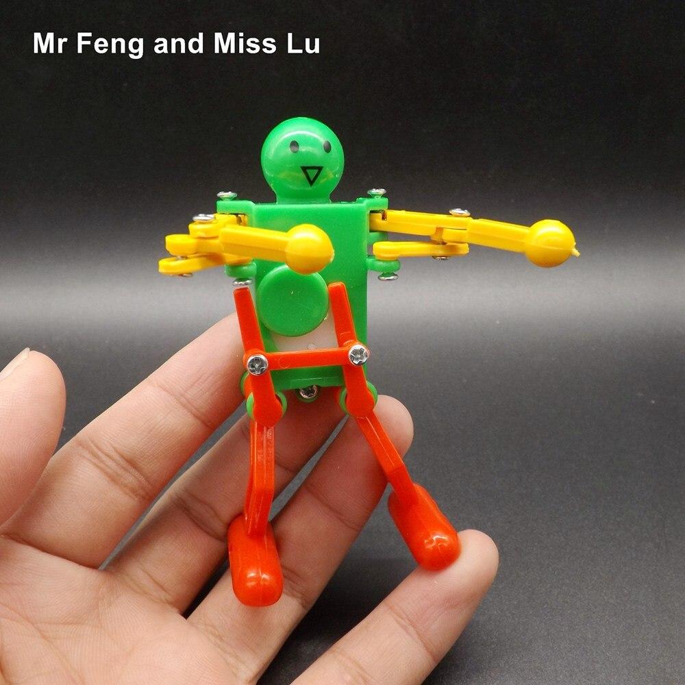 Dancing Robot Toy Plastic Clockwork Spring Wind Up Dancing Robot Kids Funny Gift