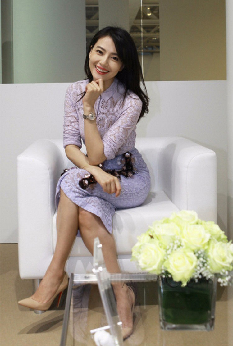 Soluble Flowers Lace Jacket with Skirt Suit Heavy Beading Runway Fashion Women Suit  (2)