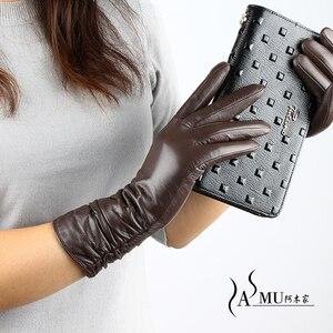 Image 2 - Guantes largos de piel para mujer a la moda, guantes cálidos de terciopelo para otoño, guantes de piel de oveja, nuevos guantes de alta calidad, Envío Gratis