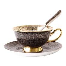 Британский керамический послеобеденный чай, красная чайная чашка, Классическая сетка, пара, кофейная чашка, блюдце, набор, Европейский Элегантный костяной фарфор, чашка с ложкой