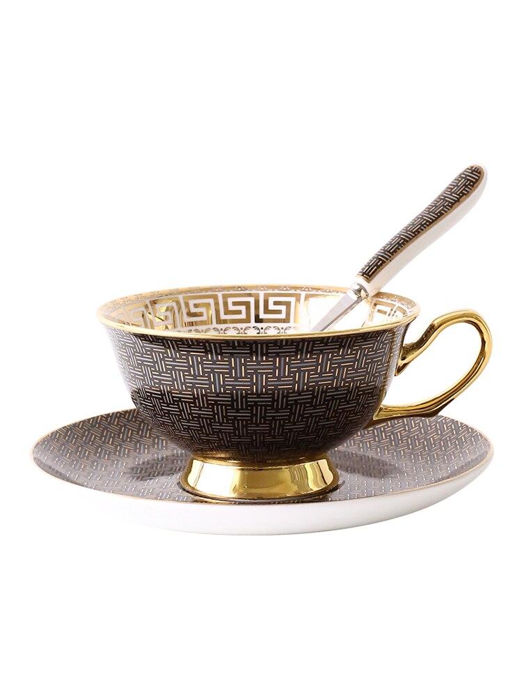 Taza de té de cerámica británica para la tarde, té rojo, juego de platillos de taza de café para parejas con rejilla clásica, taza europea elegante de hueso de china con cuchara Novedad de 304, escurridor de platos de cocina de acero inoxidable, escurridor de platos y cubiertos, escurreplatos, soporte de almacenamiento organizador de cocina de montaje en pared