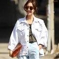 Das mulheres novas jaqueta jeans rasgado ocasional frouxo branco de lady moda buraco rasgado casaco Feminino outerwear