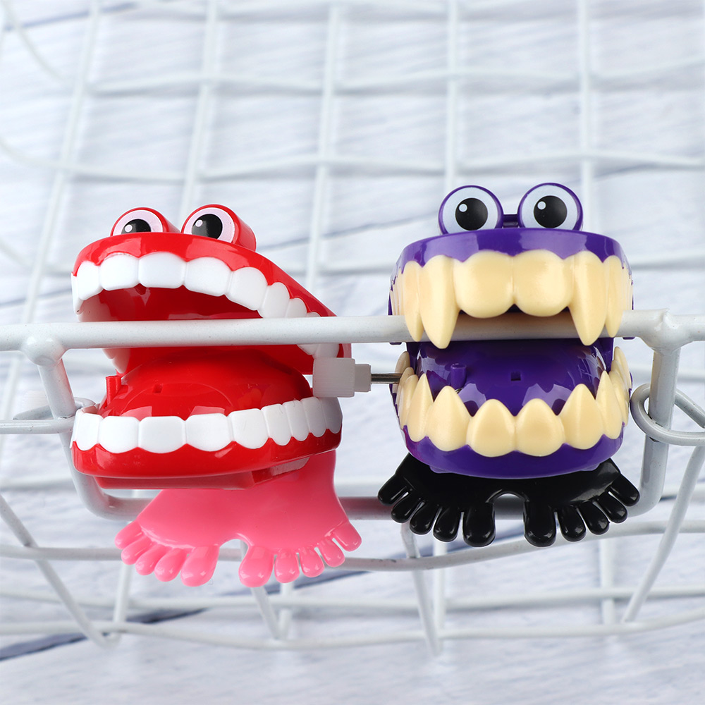 Creative Funny Chattering Jumping Teeth Clockwork Toy For Children Christmas Funny Toys Best Gifts New Arrival