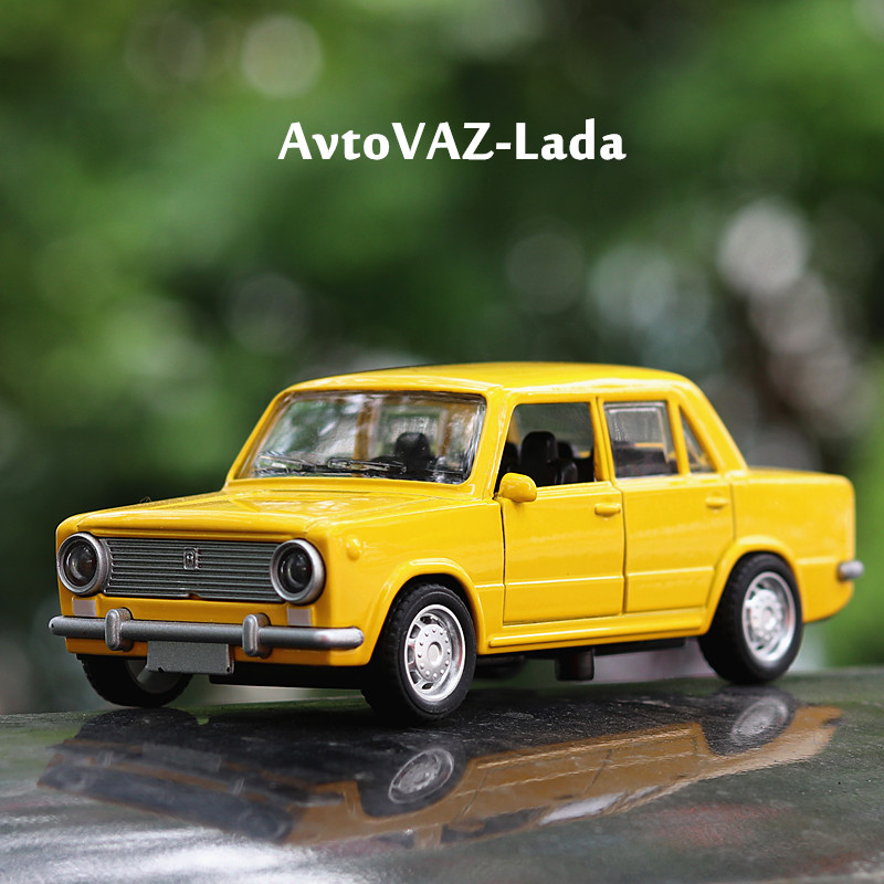 1:36 Toy Car AutoVAZ- LADA Car Metal Toy Diecasts & Toy Vehicles Car Model Miniature Scale Model Car Toys For Children