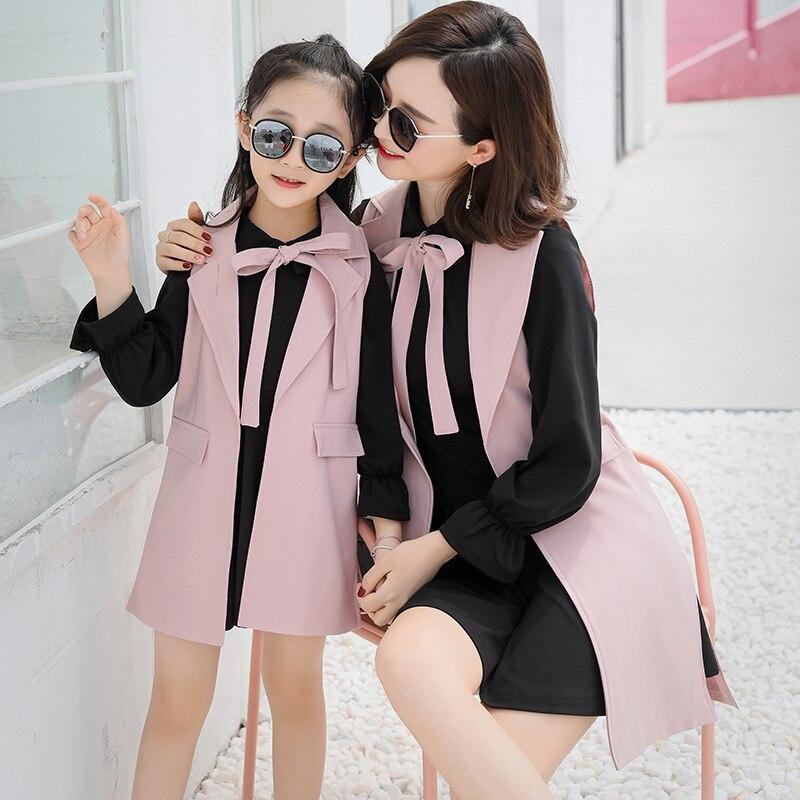Mode angleterre Style mère et fille vêtements ensembles bébé fille robe ensembles enfants Long gilet + chemise robe ensemble mignon noeud papillon robes