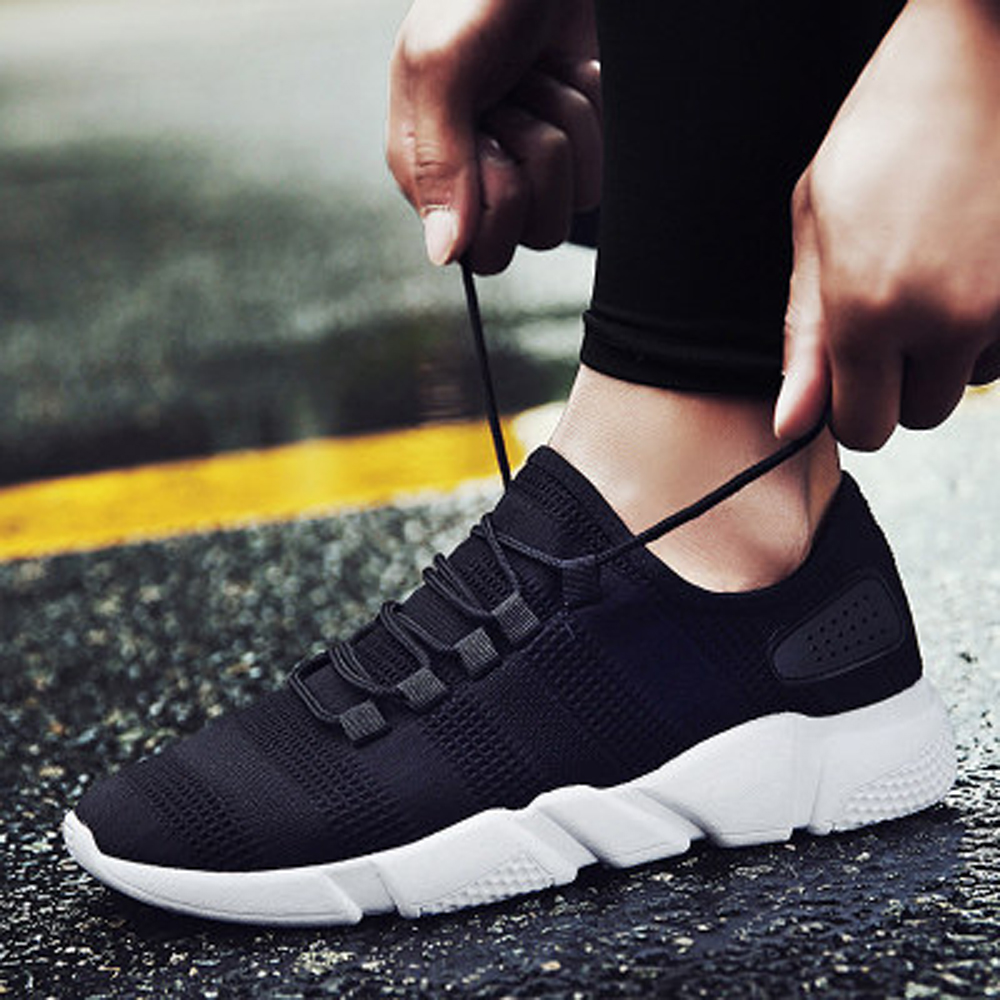 Lace-up Footwear Men's Vulcanize Shoes Causal Mesh Breathable Sneakers Men Running Anti-skid Sneakers Summer Lightweight Shoes
