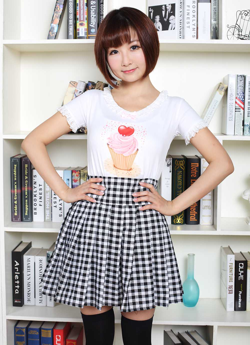 Classic Mori Girl Black and White Plaid Punk Mini Skirt girl
