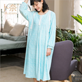 GRLBOBRA 2016 New Winter Fannel Nightgown Women Printed Loose Mid-calf Length Nightdress Girl Lovely Long-sleeve Sleepwear S0025