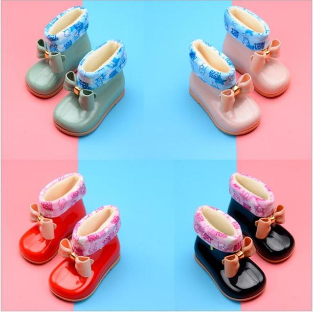 YENI çocuk lastik çizmeler PVC Bebek Kız Jöle Sevimli Ilmek yağmur ayakkabıları Kırmızı/Pembe/Siyah Su Geçirmez Toka yarım çizmeler