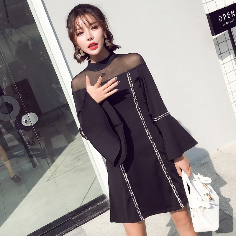 2018 Mode Automne Et Hiver Mini Robe Femmes Noir Solide À Manches Longues Taille Haute O Cou Maille Flare Manches Sexy dames robes