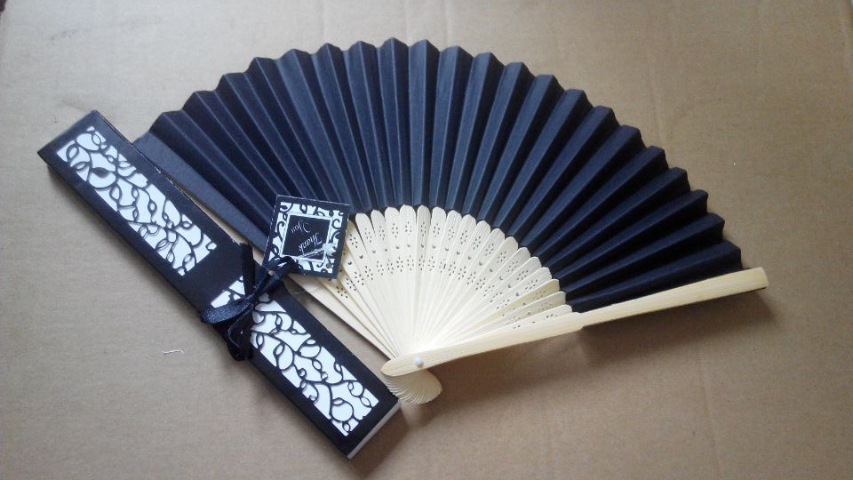 Wedding Favors Luxurious Silk Folding Hand Fan In Elegant Laser Cut Gift Box Black Beige Pink Option Party Gifts From Home Garden