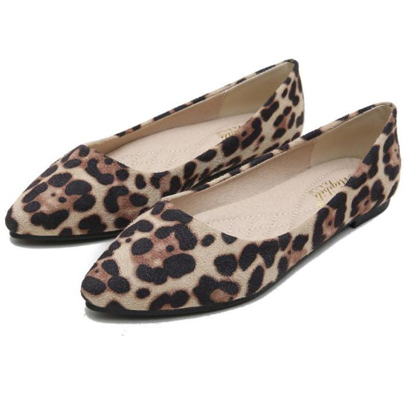 2018 Casual Flat Shoes Women Sexy Leopard Ladies Suede Fashion Loafers Pointy Toe Lazy Boat Shoes Chaussure Femmal Plus Size 43 fashionable tassels ornament leopard pattern flat shoes loafers black leopard pair size 35