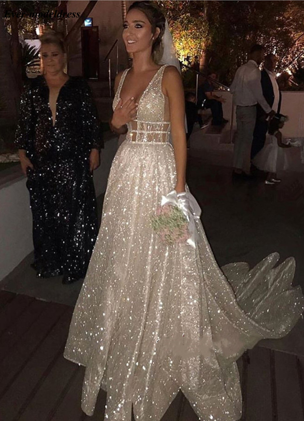 2019 Sparkly Wedding Dresses For Bride V Neck Open Back Beading Pearls A Line Sweep Train Modest Bridal Gowns Vestido de noiva