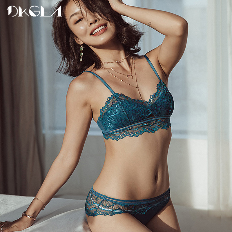 2018 Brand Lace Bras Blue Lingerie Set Embroidery Thin Cotton Brassiere Wire Free Women Underwear Sets Sexy Bra Plus Size XL L lingerie top