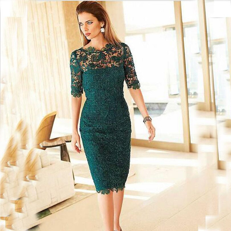 2019 Sheath Lace Mother of Bride Dresses Emerald Green Evening Dress Knee Length Evening Gowns Plus Size Celebrity Formal Dress