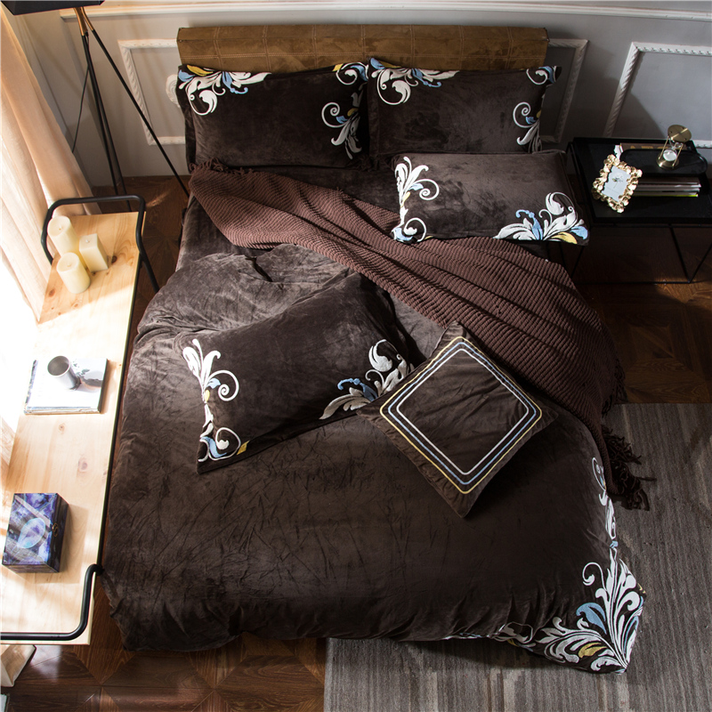 4pcs Crystal Flannel Classic florals Bedding set Winter Warm Fleece Towel embroidery Duvet cover set Bed Sheet Queen King size