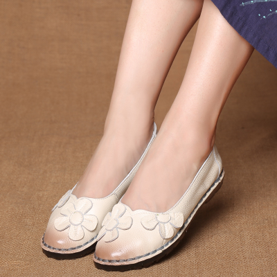 dbf350741e SHIDIWEIKE Autumn Fashion Flower Design Round Toe Mix Color Flat Shoes  Vintage Genuine Leather Women Flats Girl Loafer M141