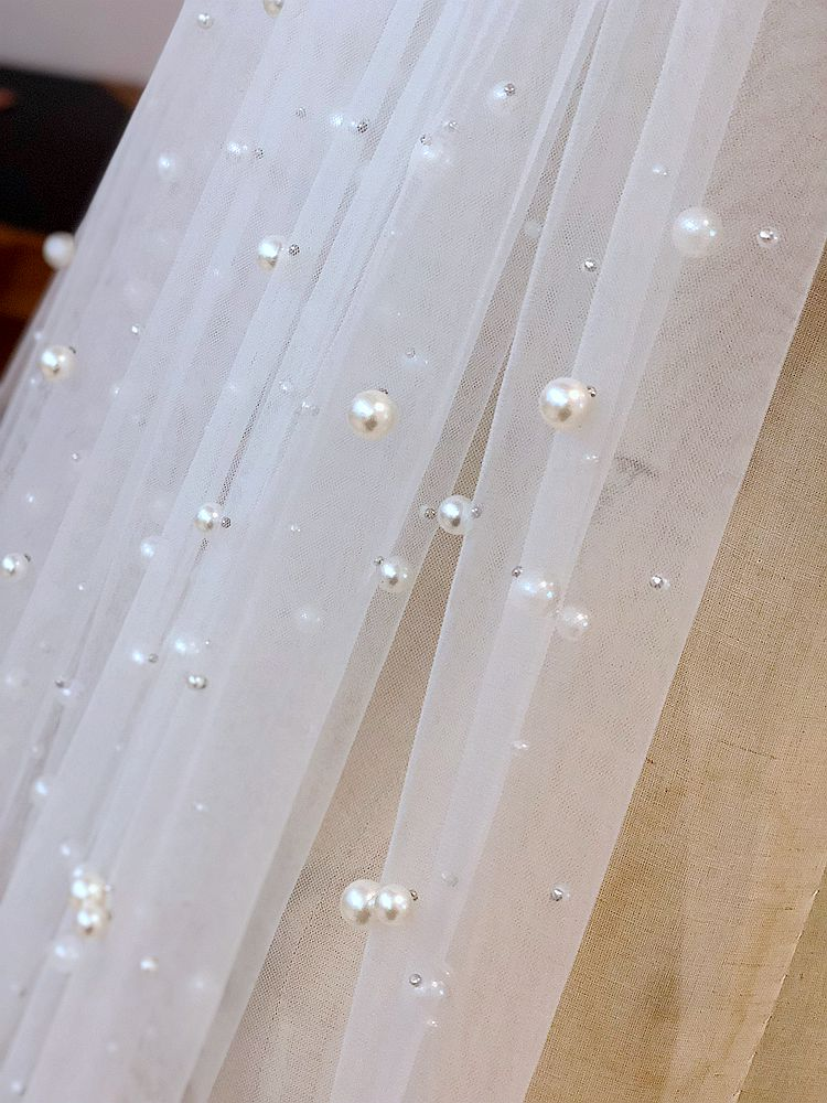 Image 4 - 5m Hot Sale 1 Tier Cathedral Royal Crystal Pearl Wedding Bridal Veil With Pearl Ivory EE708-in Bridal Veils from Weddings & Events