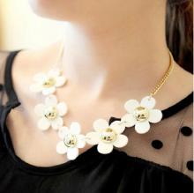 Vintage Sweet Daisy Flowers Choker nice Necklace Fashion Jewelry For Women Clearance Sale