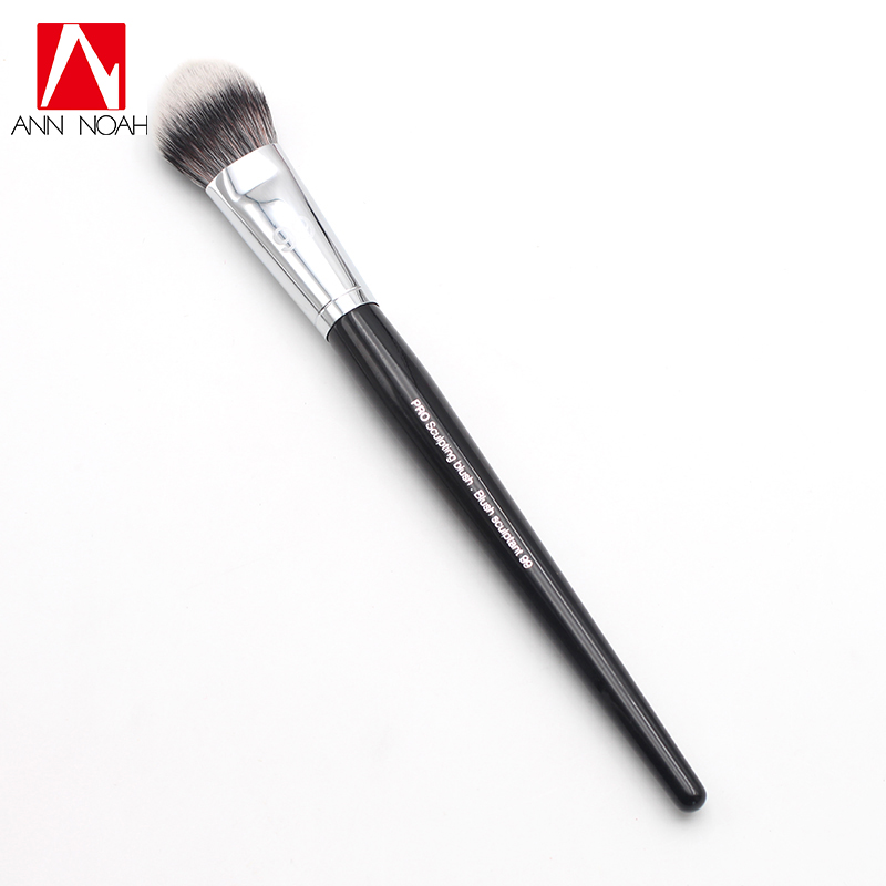 Fashion Makeup Artist Black Long Wood Handle Unique Arched Shape No.99 Pro Sculpting Blush Brush встраиваемый однокамерный холодильник liebherr ik 3524
