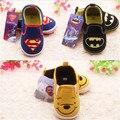 2016 New Super Batman Oso de Dibujos Animados Zapatos de Bebé Prewalkers Niños Niñas Recién Nacidos Infantiles Antideslizantes Zapatos Sapatos Primeros Caminante