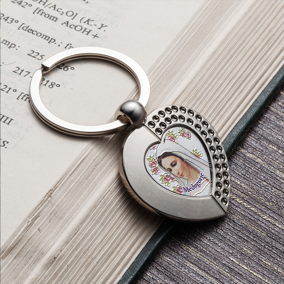 Virgin Mary Keychain Trinket Rose Key Chains Silver Pendent Keyring Chaveiro Llaveros Christian Fashion Love Heart Jewelry Gifts