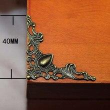Brons Filigraan Driehoek Bloem Wraps Cabochon Oude Hart Hoek Plaksteen Metalen Versieringen Scrapbooking 40mm 100Pcs