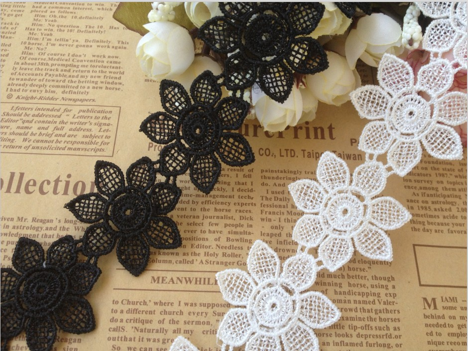 Factory price, 5yards/lot 4cm Wide Black /White Retro Flower Lace Trim Lace Ribbons DIY Craft Accessary - Free Shipping Z1023