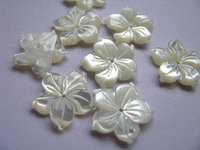 Top quality 50pcs 10 12 15 17 20mm Genuine MOP Shell ,Pearl Shell filigree florial flower Carved yellow white black micharmed be