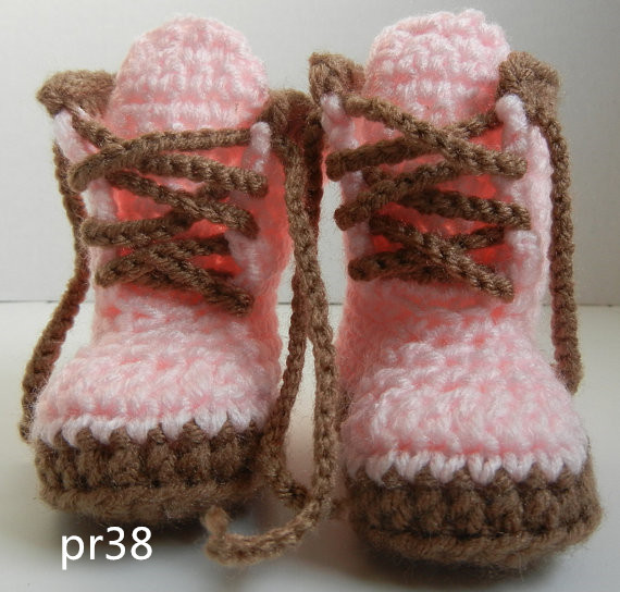 Rosa ganchillo bebé sneakers, recién nacido del ganchillo Zapatos ...