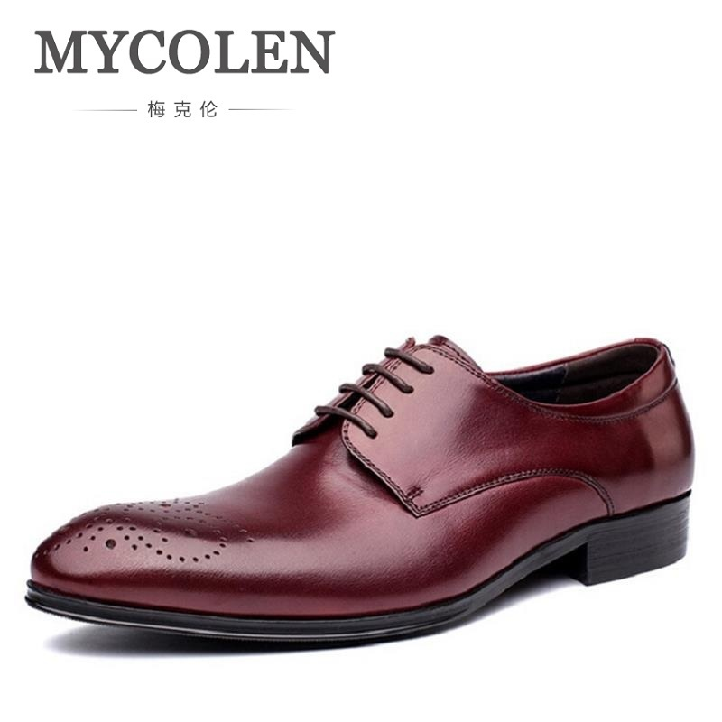 MYCOLEN Mens Leather Shoes Bullock Carved Men'S Dress Shoes British Style Lace Up Pointed Toe Low Top Flats Chaussure Homme fashion style lace up flat shoes chaussure homme black men flats pointed toe genuine leather oxfords mens wedding dress shoes