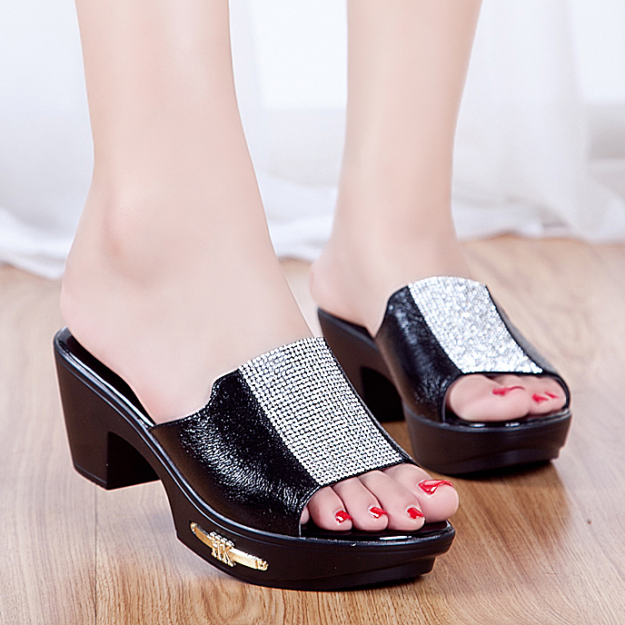 Sheepskin Mom's Shoes 2016 Cool Slippers Leather Sandals Diamond Ladies Summer Shoes Women Sequins Side Metal Decoration