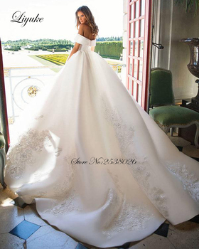 Liyuke Boat Neckline Luxury Ball-Gown Wedding Dress Satin Fabrics Elegant Princess Wedding Gown 2