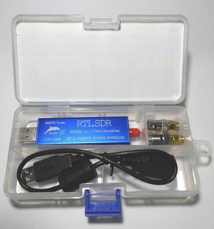 Récepteur de Tuner USB RTL2832U + R820T2 0.1 MHz-1.7 GHz TCXO ADSB UHF VHF HF FM RTL. SDR